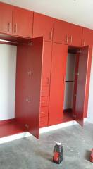 Closet Rojo Colonial