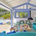 Terraza con porche de madera
