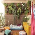 balcón con sofá