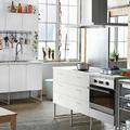 cocina-en-blanco-con-muebles-modulares-978388