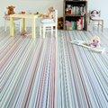Recámara infantil con piso vinílico de colores