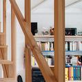 Escalera de polines de madera