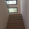 Escalera Interir De Cada Habitación.