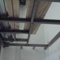 Interior debajo de estructura de tapanco.