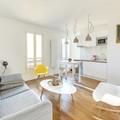 Departamento estilo nórdico con cocina abierta a la sala