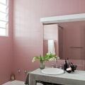 Azulejos pintados con pintura epóxica rosa