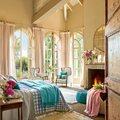 Romantic-Vintage-Bedroom-Design-by-Eduardo-1024x1024
