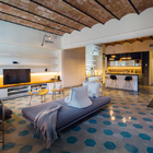 Sala con piso de azulejo hidraúlico