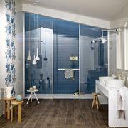 lavabo con baldosas azules