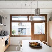 Cocina con mobiliario a medida