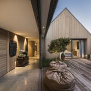 casa de madera abierta