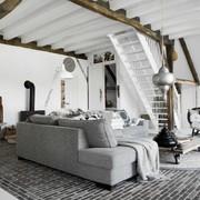 Casa con estilo nórdico y detalles de estilo étnico