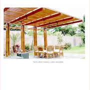 Techumbre de madera quinilla y vidrio templado.