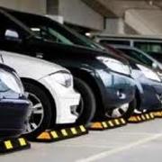 Topes de estacionamiento.