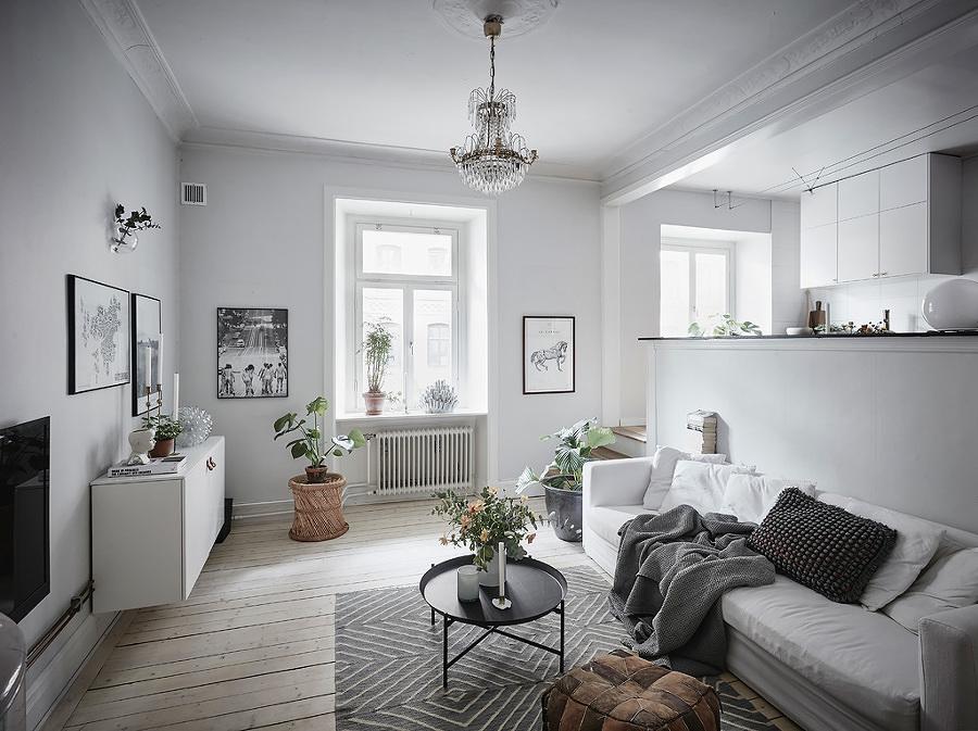 Sala estilo nórdico con mesa de centro versátil