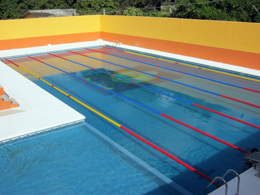Una alberca semiol mpica para pasarlo en grande ideas for Medidas de una piscina olimpica