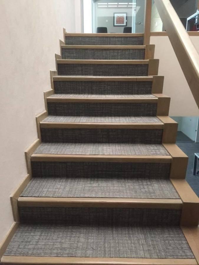 Foto: Alfombra Modular en Escalera de Decor Style #215997 ...