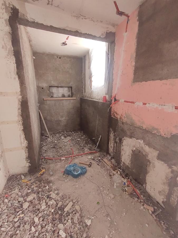 Aplanados y ranurado de jabonera en muro