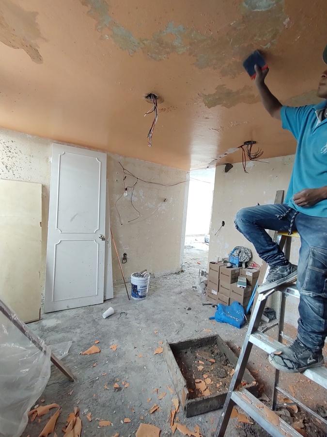 Aplanados y remodelación de plafones y muros por humedad