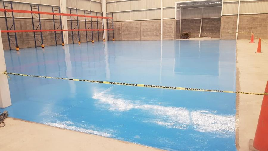 area terminada de pintura epoxica
