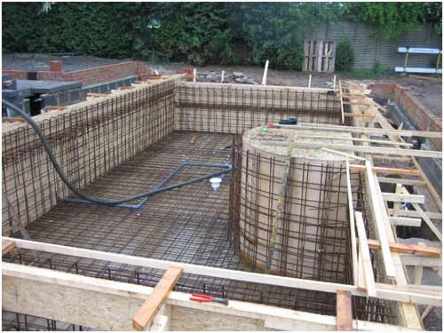 Foto armado de alberca de proveedora de servicios proseka for Construccion de piscinas con ladrillos
