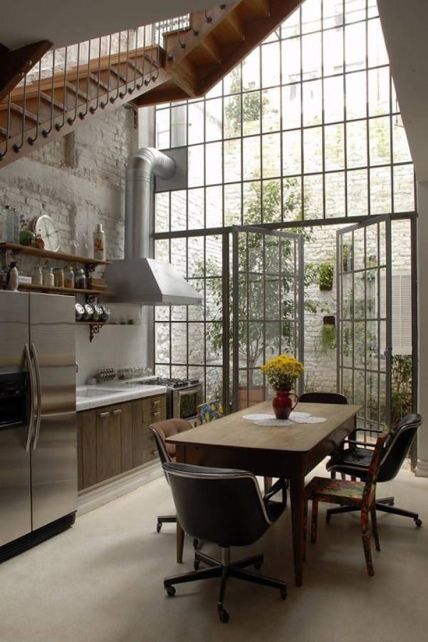Foto cocina bajo la escalera 216908 habitissimo for Escalera de cocina