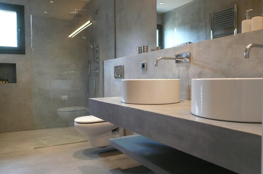 Baño revestido de microcemento completo