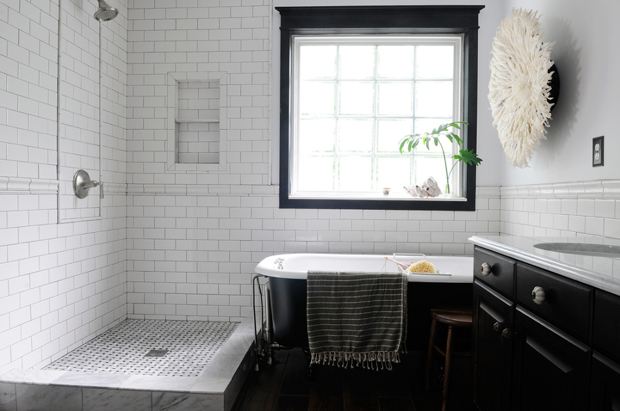 Ba os negros contrastes elegantes ideas remodelaci n ba o - Mueble bano negro ...