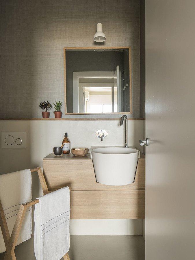 Baño pequeño con mueble a medida