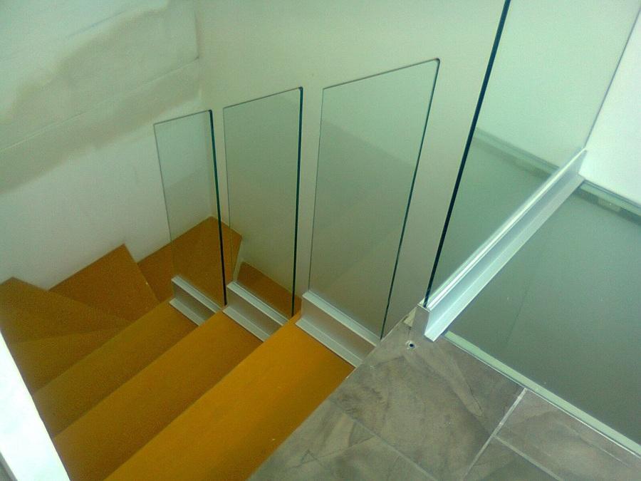 barandal escalera cristal y zclo
