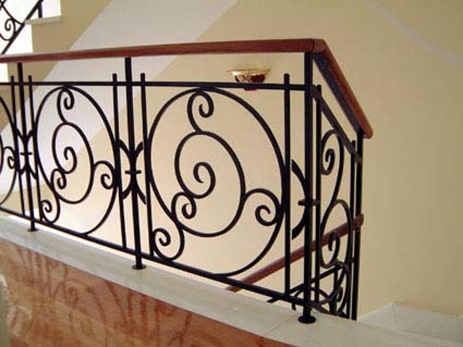 Barandales metal madera ideas canceler a met lica - Escaleras de forja modernas ...