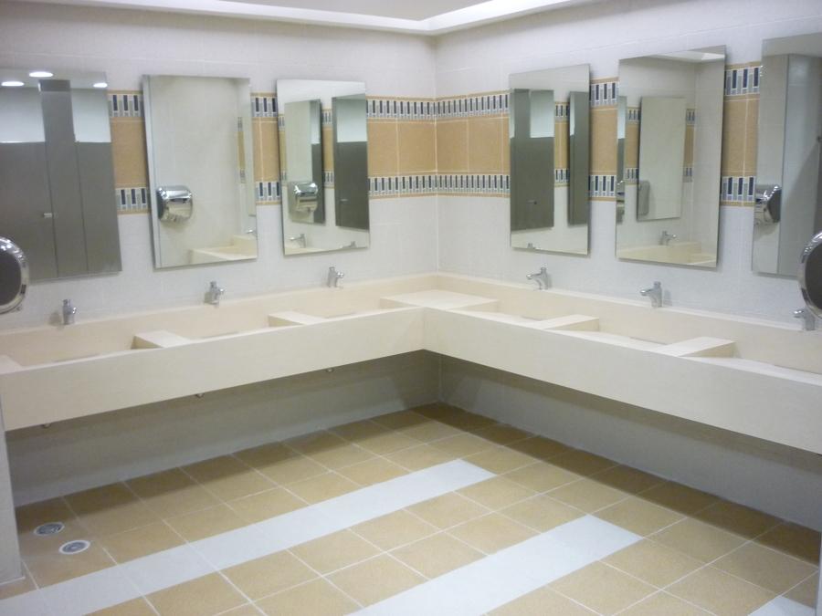 Foto barra de lavamanos con lunas de pg construcciones for Llaves modernas para lavamanos