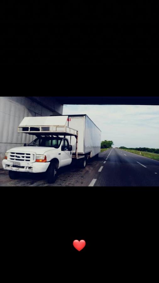 Camioneta mudanzas