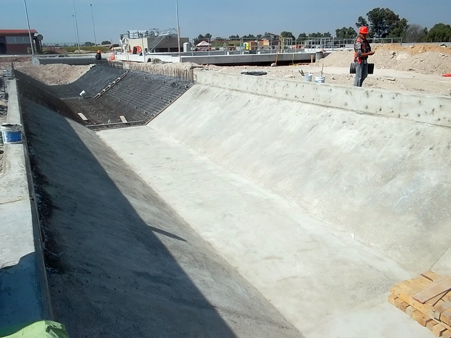 Canal De Excedencias Concreto Hidraulico Celaya Gto.