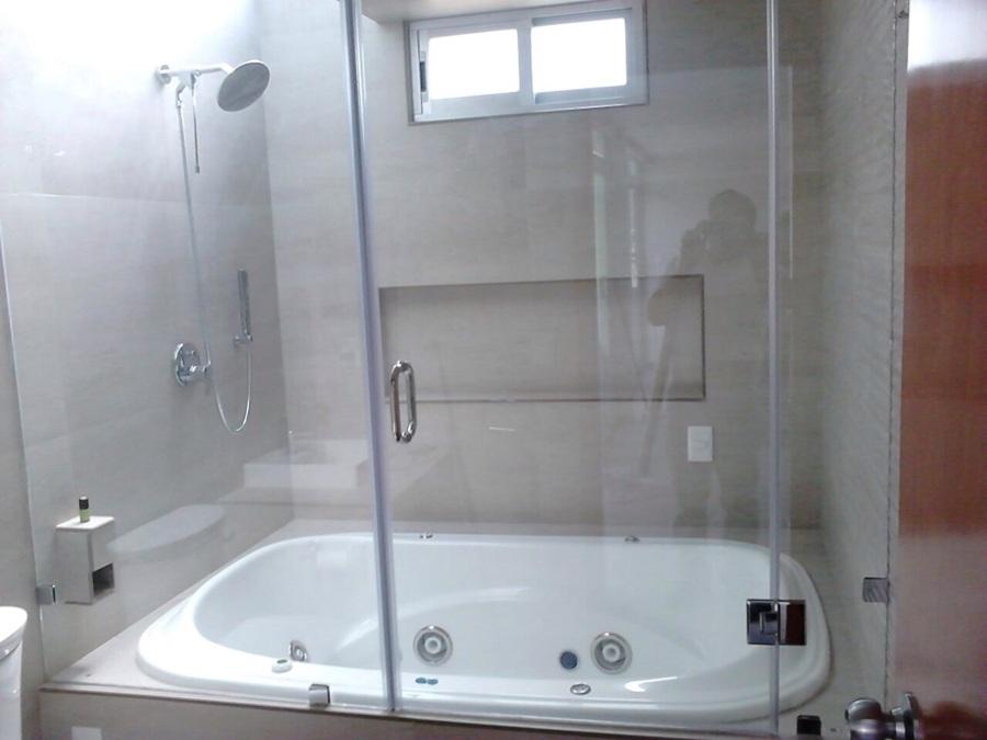 Cancel de baño con vidrios templados