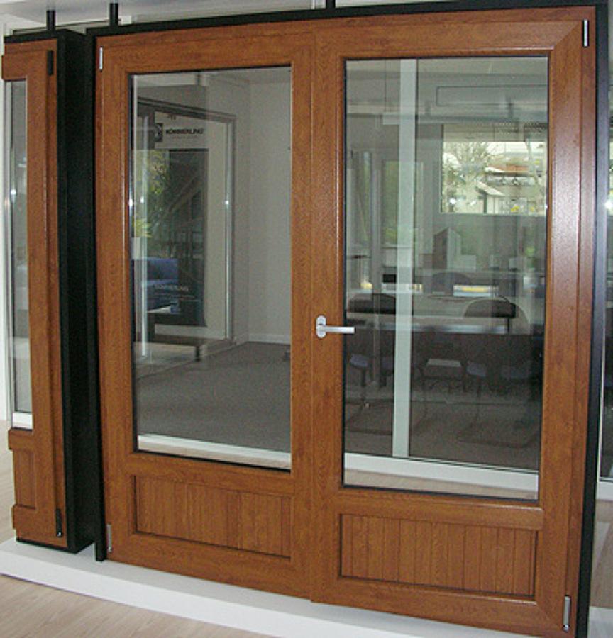 Foto canceleria de pvc de construcciones revilla 69938 for Puertas de pvc precios