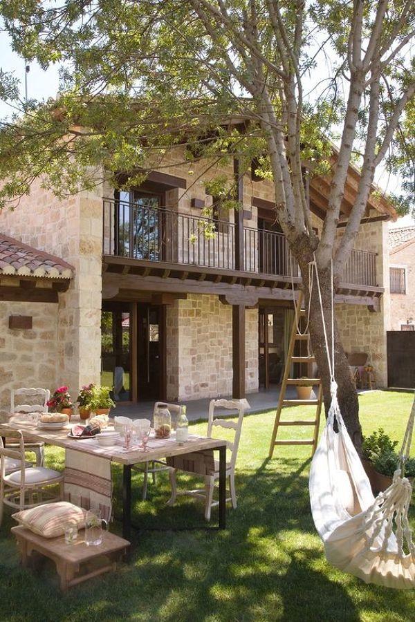 Foto casa r stica con fachada de piedra 255190 habitissimo for Planos de casas rurales