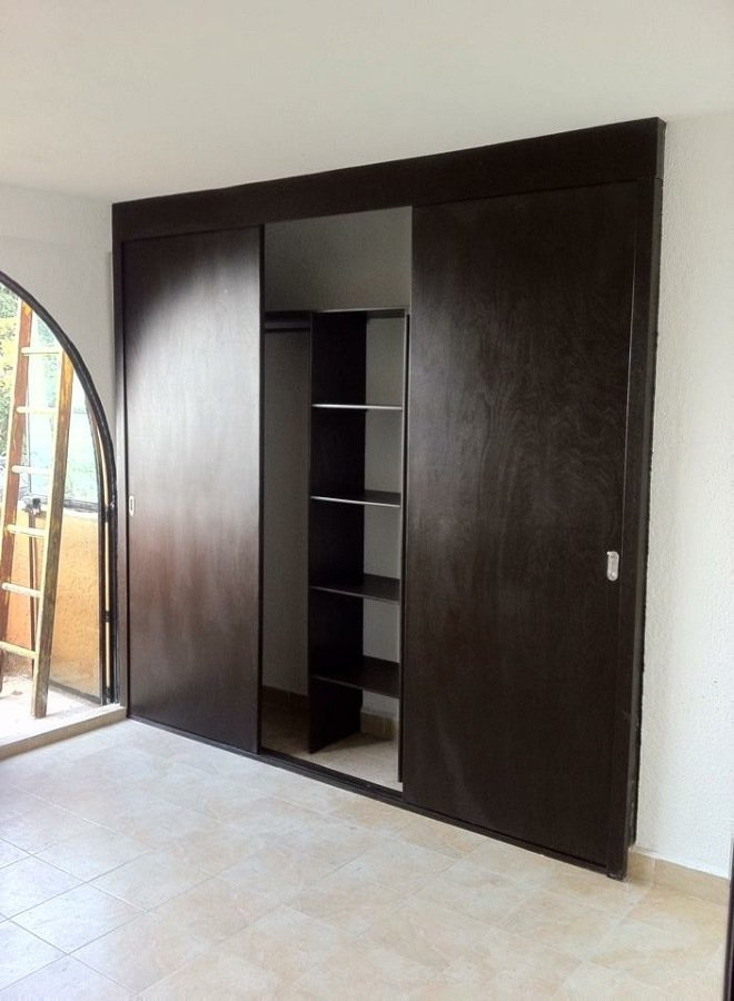 Closets y vestidores ideas carpinteros for Ideas puertas de closet