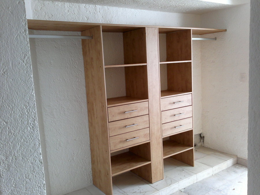 Closets y vestidores de pvc ideas canceler a pvc for Armar closet de madera
