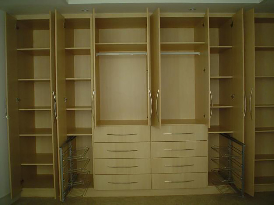 Foto closet maple natural de muebles sobre dise o 174495 for Closets estado de mexico