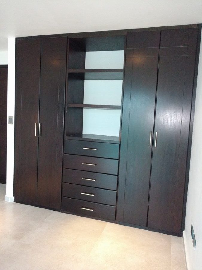 Foto closet recamara secundaria de casas y construcciones for Recamaras modernas con closet