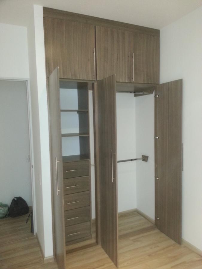 Foto closet vintage nogal de closets y vestidores 225058 for Closets queretaro