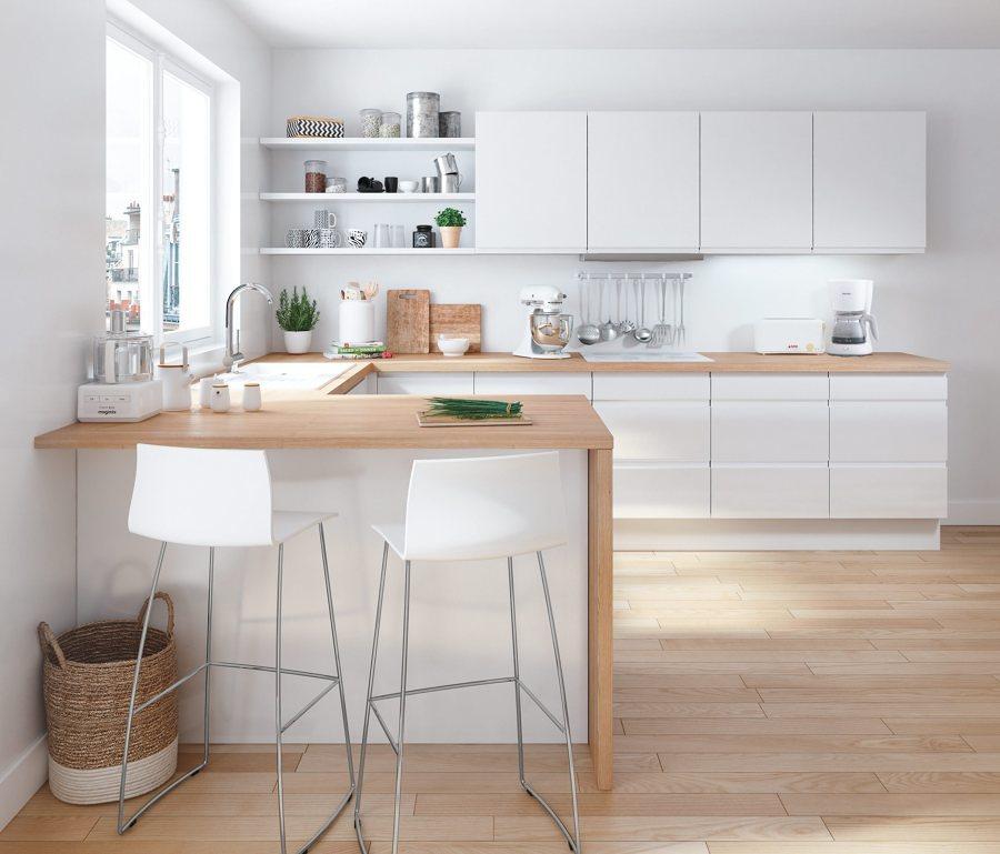 Cocina abierta con encimera de madera