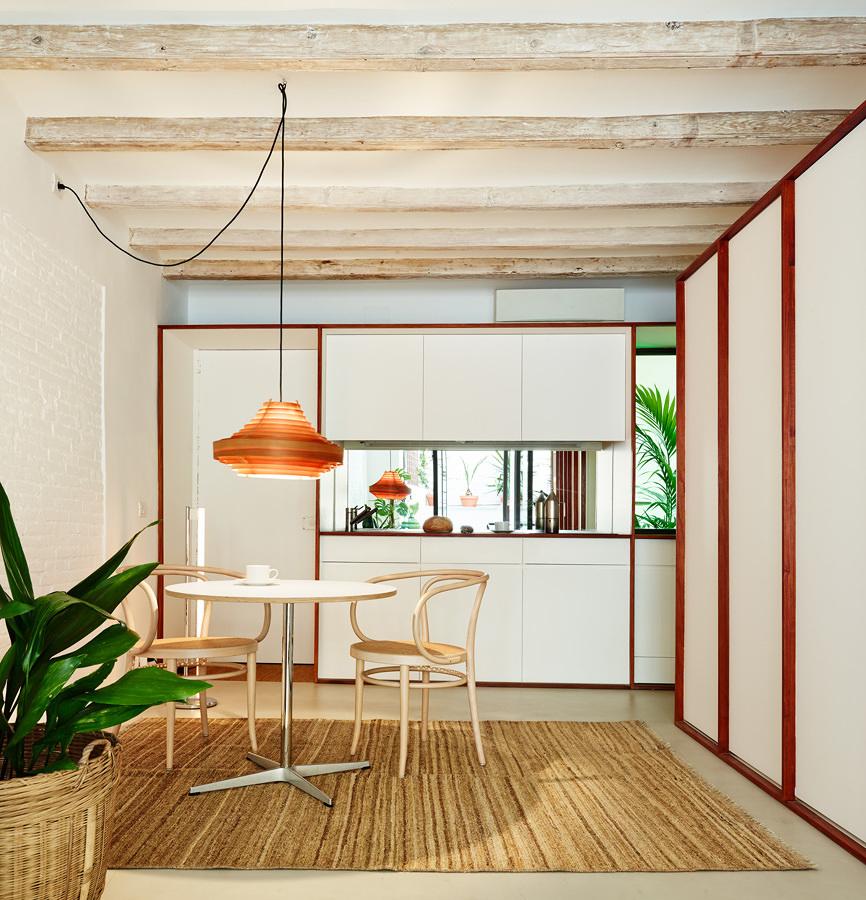 Foto cocina con muebles blancos abierta a la sala 299868 habitissimo - Marcos catalan ...