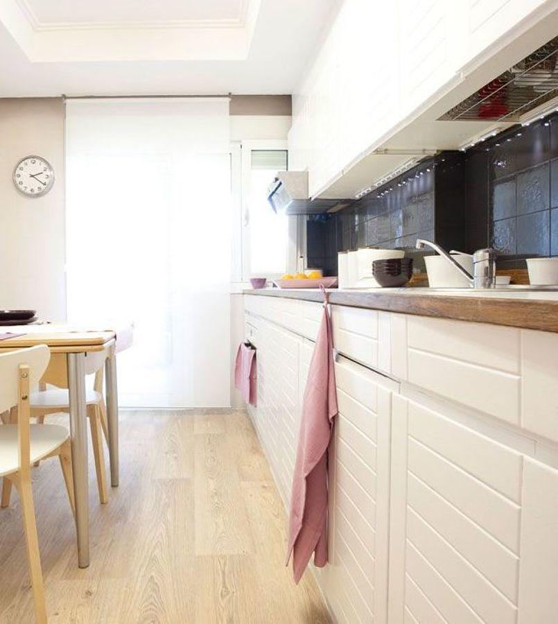 Cocina con azulejos pintados