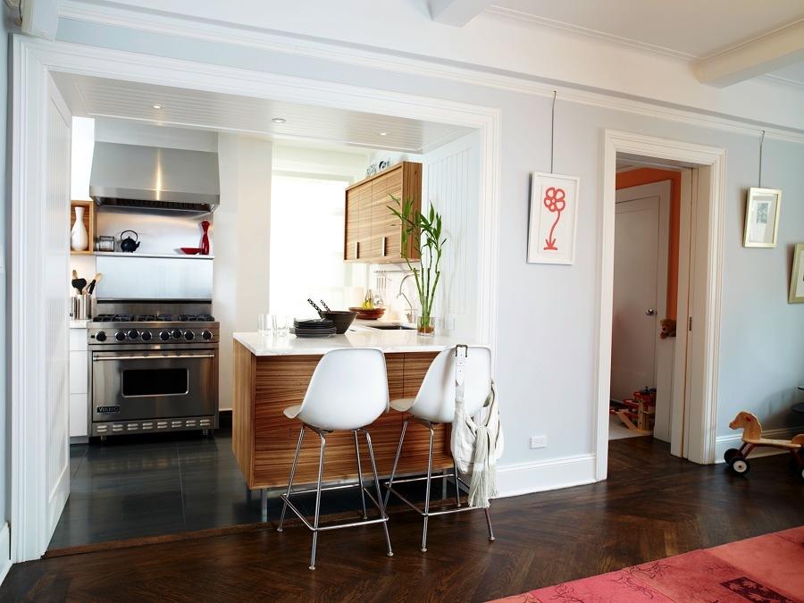 7 cocinas peque as que aprovechan sus metros al m ximo for Cocinas modernas pequenas para apartamentos con desayunador