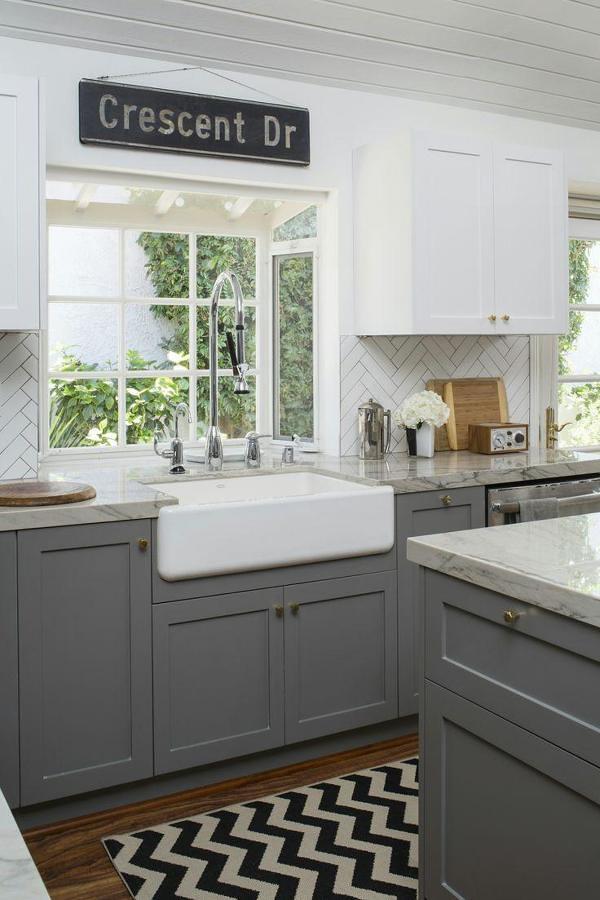 Foto: Cocina con Muebles Color Gris y Llave Monomando #297548 ...