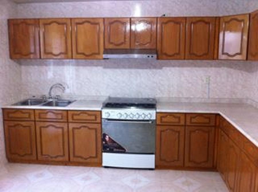 Foto Cocina Grande En Escuadra De Closets Y Vestidores