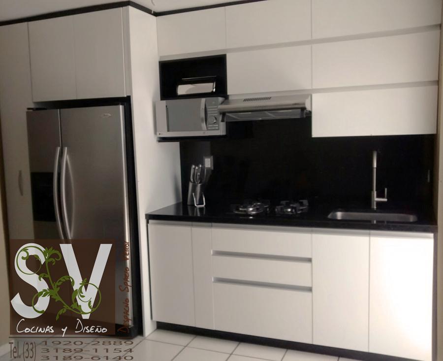 Foto: Cocina Integral Blanco Alto Brillo con Cubierta de Granito ...