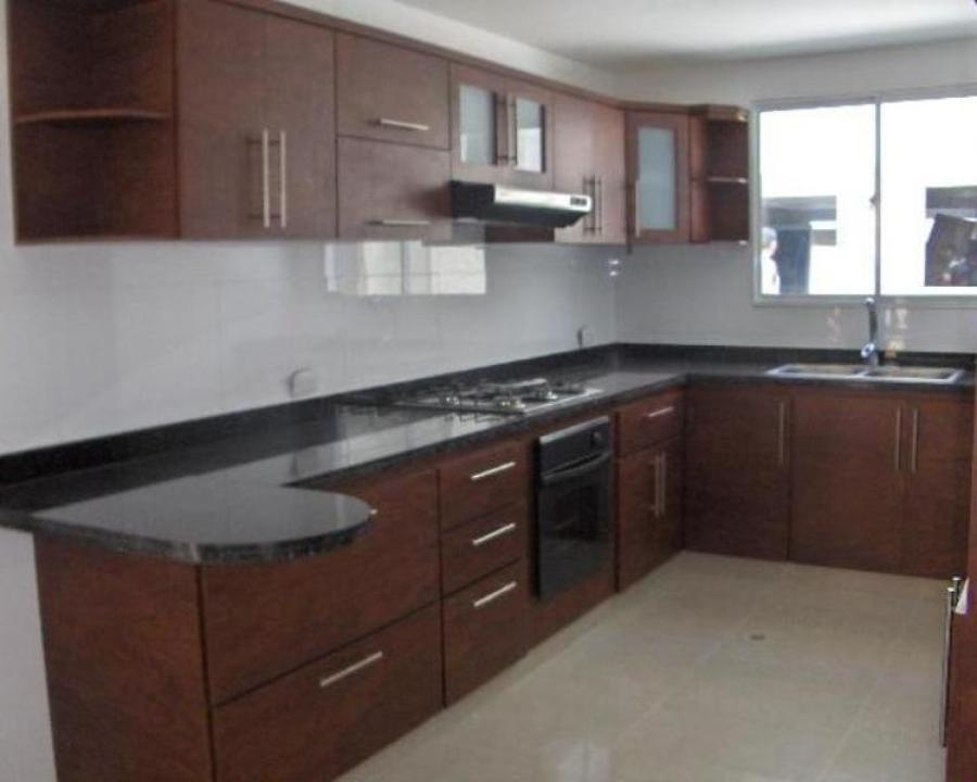 Foto cocina integral moderna de saul castro rivera for Muebles para cocina integral